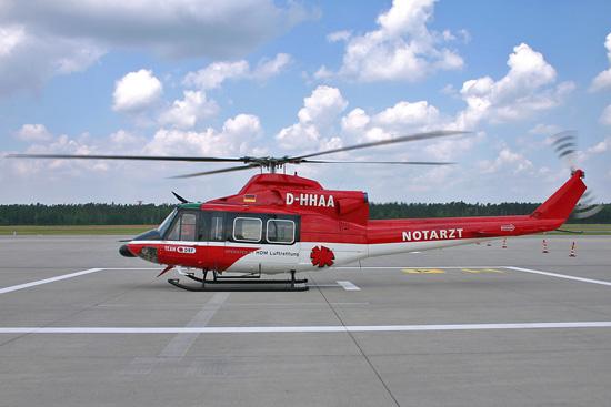 Die Agusta-Bell (AB) 412 HP im DRF-Farbkleid mit WSPS und Radarnase