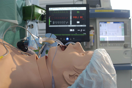Computergesteuerte Puppe für Simulatortraining
