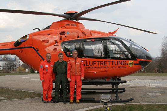 Erste Crew der EC 135 T2i in Kempten