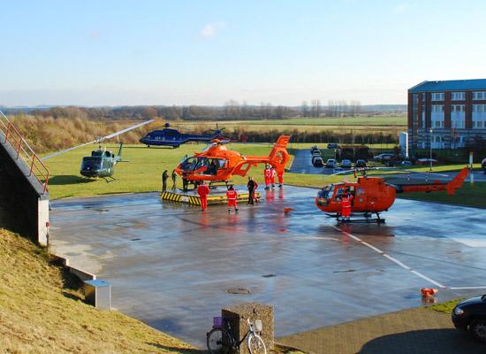 Die unterschiedlichen Hubschraubertypen an der Station