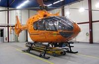 Maschine im Hangar