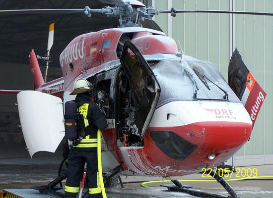 Ein Rettungssanitäter erlitt nach einer Stichflamme schwere Brandverletzungen