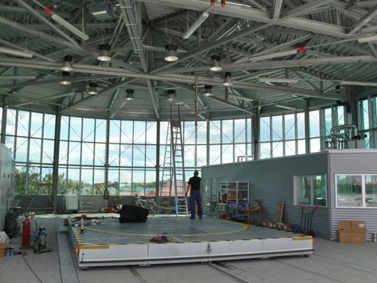 Neuer Hangar innen