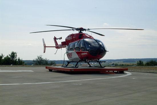 Die neue EC 145 steht bereits auf der Landeplattform bereit
