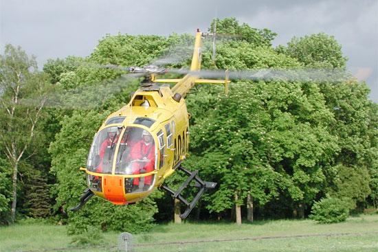 Eine BO 105 in der Luftrettung, hier jedoch nicht in NEH- sondern in der RTH-Konfiguration, die so nicht mehr in Deutschland anzutreffen ist