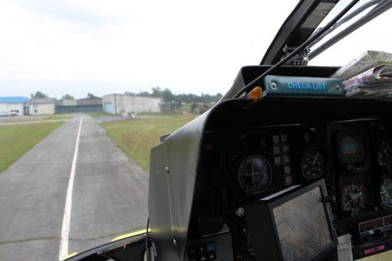 Anflug auf den Flugplatz in Hartenholm während eines Pressefluges