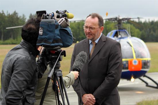 1. Vorsitzender und Geschäftsführer des KBA Michael Vollmer bei einem Interview