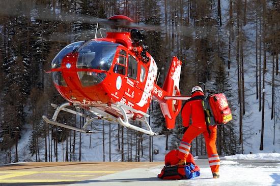 Helikopter der Air Zermatt (Archivbild), hier im Anflug am Heliport