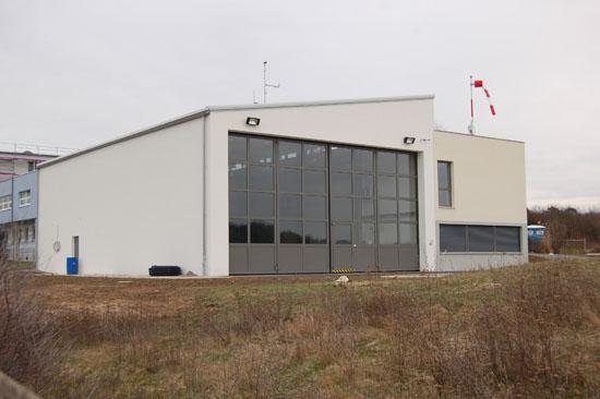 """Seit dem heutigen Dienstag, den 15. Januar 2013 wieder Standort von """"Christoph 18"""": das nach rund 30 Jahren erstmals von Grunde auf renovierte Luftrettungszentrum an der Main-Klinik in Ochsenfurt"""