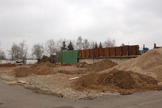 ... konnte Anfang April mit den Vorarbeiten für den Bau des neuen Johanniter-Luftrettungszentrums begonnen werden