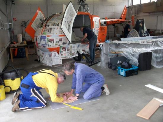 In ihrer Freizeit restaurieren fleißige Helfer in mühevoller Kleinarbeit den alten kasseler RTH