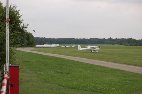 Der an der Grenze zwischen den beiden Städten Köln und Leverkusen liegende Segelflugplatz Kurtekotten...