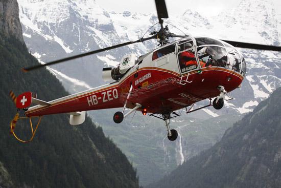 Das Unternehmen Air-Glaciers hat unterschiedliche Hubschrauber in der Schweiz stationiert, die nicht nur im Rettungsdienst sondern auch für Transport- und Passagierflüge, Heliskiing, uvm. eingesetzt werden