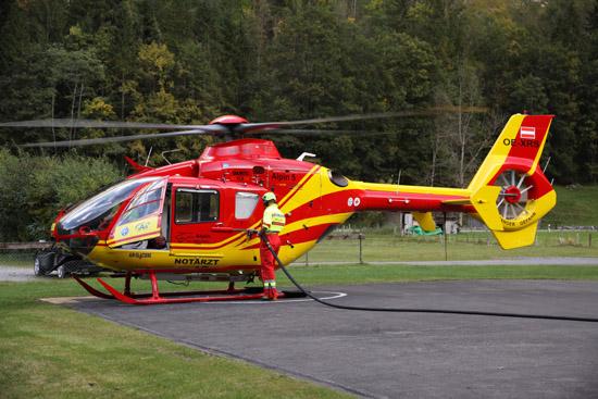 EC 135 T1 als Rettungshubschrauber der Air Glaciers mit einer medizinischen Ausrüstung von Air Ambulance Technology (AAT) am Standort Lauterbrunnen
