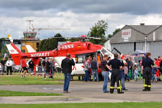 """Nicht nur die ausgestellte Maschine """"D-HNNN"""" wurde von vielen Besuchern besichtigt"""