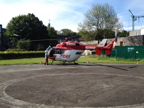 """Landung von """"Christoph Europa 5"""" auf dem Hubschrauberlandeplatz des Katholischen Kinderkrankenhauses Wilhelmstift (Hamburg)"""