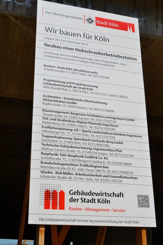 Das Baustellenschild auf dem Kölner Kalkberg
