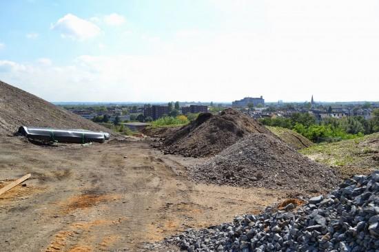 In diesem Bereich werden die Tanks installiert (Blickrichtung Südosten Stadtteil Kalk)