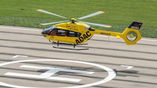 Bereits vor der offiziellen Übergabe flog die künftige D-HEMS auf dem AIRBUS-Gelände ihre ersten Runden