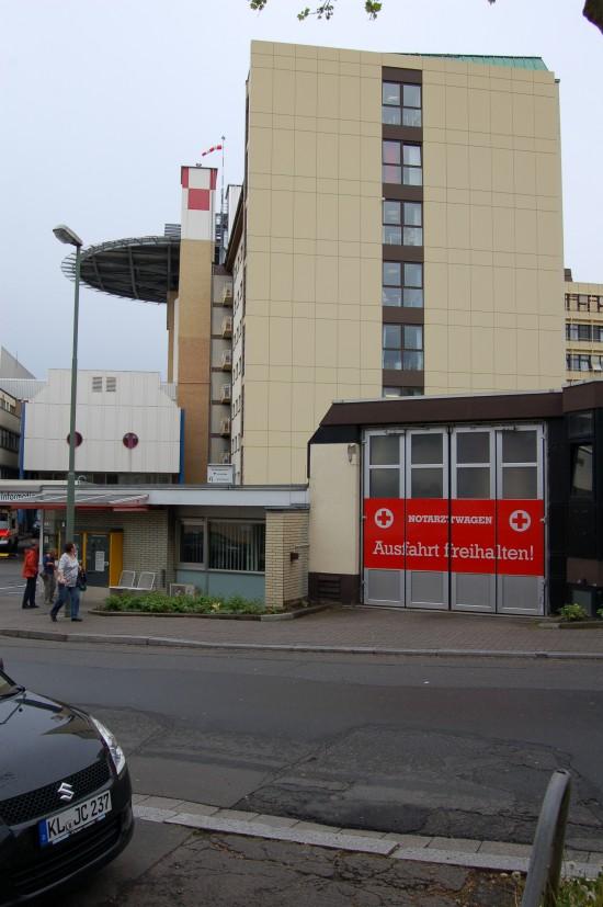 Als möglicher Stationierungsort ins Gespräch gebracht wird der erst vor wenigen Jahren errichtete Dachlandeplatz am Westpfalz-Klinikum in Kaiserslautern