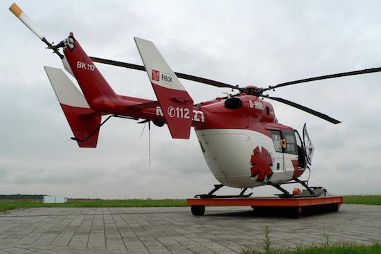 """Die Maschine startet bei Einsätzen vom """"City Airport Bremen"""" in den Himmel von Norddeutschland. Hier in Bereitschaft während einsatzfreier Zeit im Jahr 2005"""
