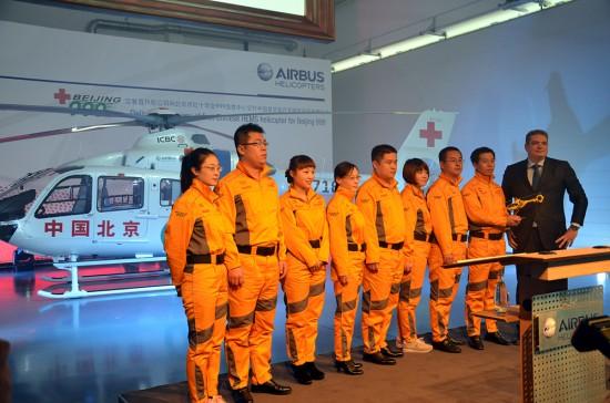 Eine Delegation an Ärzten war extra aus China angereist, um sich in der ADAC HEMS Academy bei Köln ein Bild über die Luftrettung machen zu können