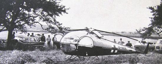 """Auch abseits der Autobahnen wurde der Not-Arzt-Hubschrauber """"Rotkreuz Friedberg 50"""" eingesetzt (hier bei einem schweren Verkehrsunfall)"""