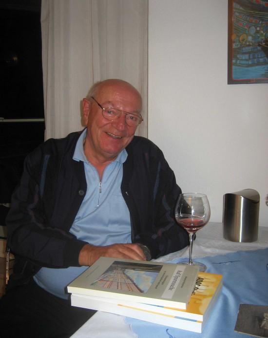 Im Oktober 2007 besuchte Verleger Werner Wolfsfellner den Arzt und Luftrettungspionier Hans-Werner Feder in Kassel