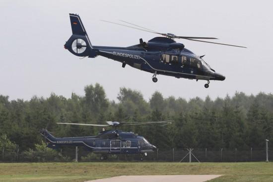 Zum Einsatz kommen soll im Sommer 2015 auch ein Hubschrauber der Bundespolizei-Fliegergruppe (hier zu sehen: eine EC 155 B und eine SuperPuma)