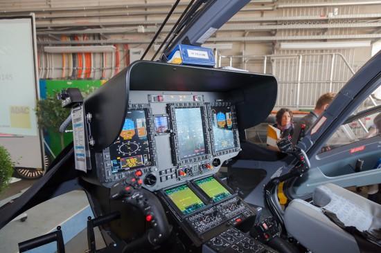 Das digitale Cockpit der H 145 konnte in aktivem Zustand betrachtet werden.