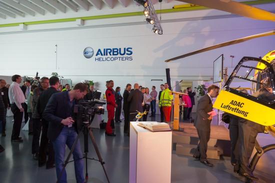 Zur offiziellen Übergabe an die ADAC Luftrettung gGmbH reisten viele Gäste an.