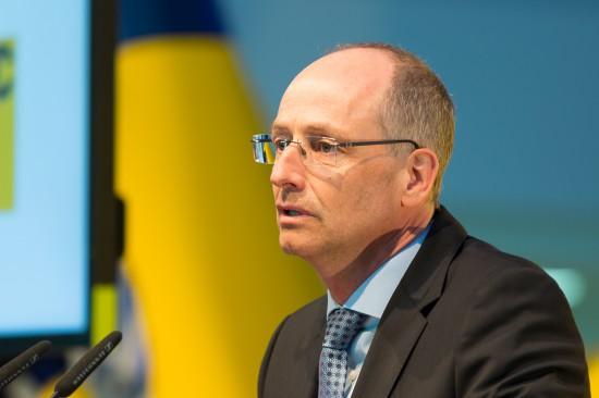 """Der """"Hausherr"""", Dr. Wolfgang Schoder, CEO von Airbus Helicopters Deutschland, begrüßte die Gäste in seiner Ansprache."""