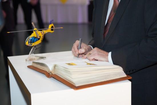 Auch der Eintrag ins Auslieferungsbuch durfte nicht fehlen.