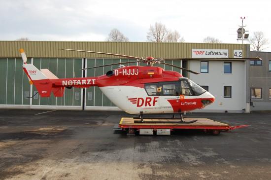 Noch im Dezember 2012 flog in Dortmund die Springermaschine vom Typ BK 117 mit HSD-Schriftzug