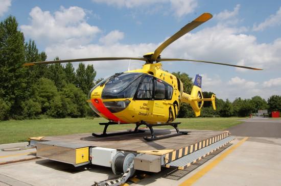 """In Dinkelsbühl wird ab Anfang September 2015 eine EC 135 als RTH """"Christoph 65"""" zum Einsatz kommen (hier eine baugleiche Maschine als """"Christoph 8"""" an der Homebase am St.-Marien-Hospital in Lünen)"""