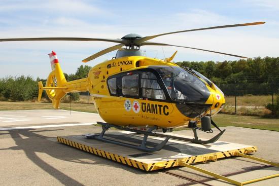 Symbolfoto eines Christophorus-Notarzthubschraubers der ÖAMTC Flugrettung