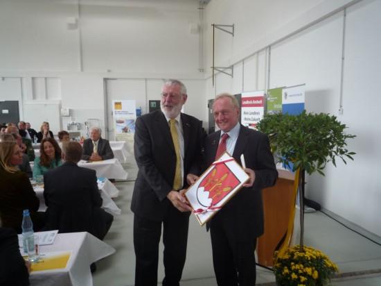 Hr. Burkhardt und Hr. Beitzer (Bürgermeister der Stadt Dinkelsbühl)