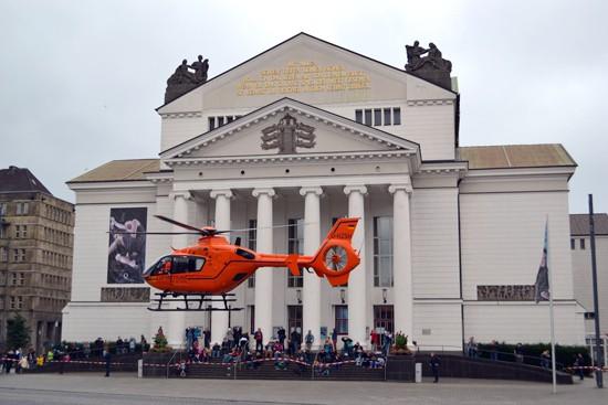 Landung der EC 135 in der Duisburger Innenstadt
