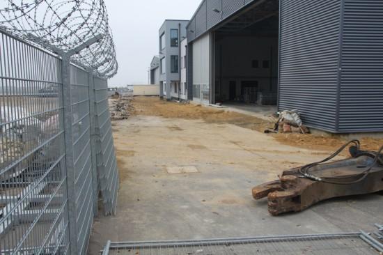 Auf dem Gelände sollen zwei neue Hangars und ein Dienstgebäude errichtet werden
