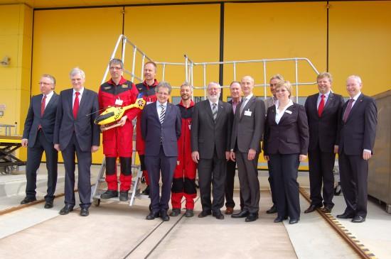 Am 3. April 2014 war die ADAC-Welt in Fulda noch in Ordnung (hier Gruppenfoto mit Dame anlässlich der 30-Jahr-Feier)