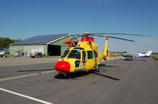 """Fliegt seit wenigen Tagen auch im öffentlich-rechtlichen Auftrag: der auf dem Flugplatz in St. Peter-Ording stationierte Offshore-RTH """"Rescue Northern 01"""""""