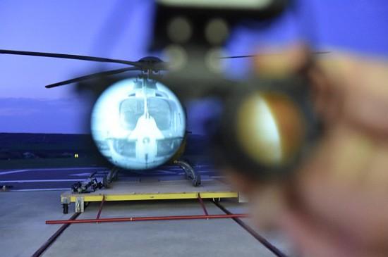 Restlichtverstärkerbrillen (NVG) sind eine wichtige Hilfe bei nächtlichen Einsätzen.