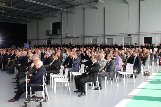 Die geladenen Gäste, in der 1. Reihe vorne, der Verwaltungsrat der Luxembourg Air Rescue