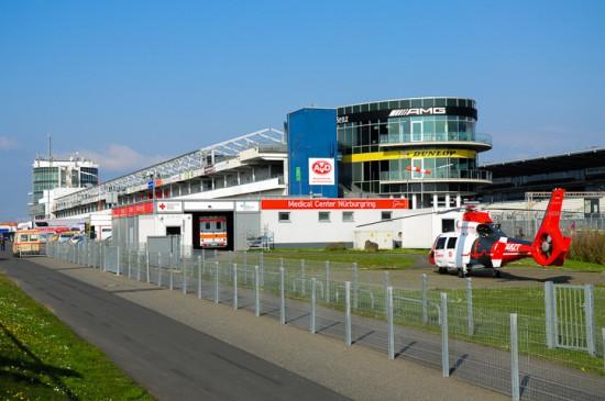 """Der ITH """"Air Rescue Nürburgring"""" ist am Medical Center der weltberühmten Rennstrecke stationiert"""