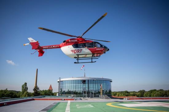 Landung einer EC 145 am UK Berlin