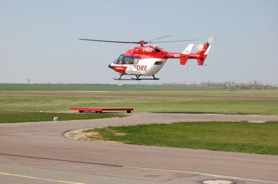Am Flugplatz Halle-Oppin setzt die DRF Luftrettung eine EC 145 und eine BK 117 als ITH ein (hier eine Archivaufnahme aus dem April 2010)