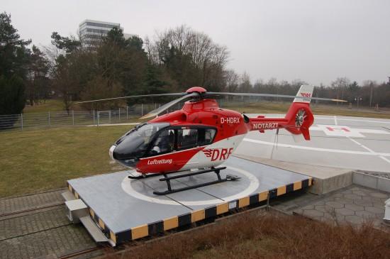 """Erst 2010 grundlegend saniert und trotzdem bereits ein Auslaufmodell: die DRF-Station """"Christoph 43"""" in Karlsruhe (Archivaufnahme aus dem Februar 2011)"""