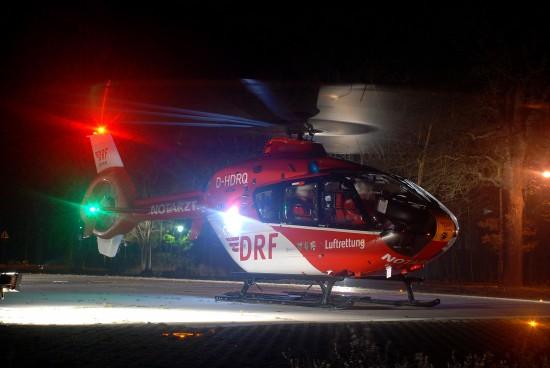 """Eine EC 135 der DRF Luftrettung bei Nacht, hier ein Archivfoto des """"Christoph 80"""" aus Weiden/ Opf."""