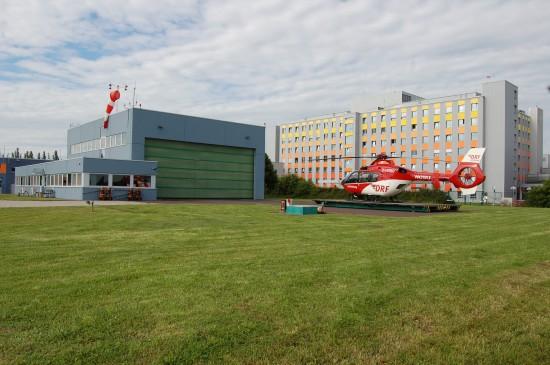 """Das Luftrettungszentrum """"Christoph 36"""" wurde am 1. Juli 1992 vom Bund eingerichtet und am 21. April 2006 von der DRF übernommen (hier eine Aufnahme aus dem Juni 2016)"""
