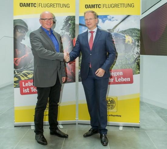 Reinhard Kraxner (GF ÖAMTC-Flugrettung) und Stefan Becker (Präsident EHAC)